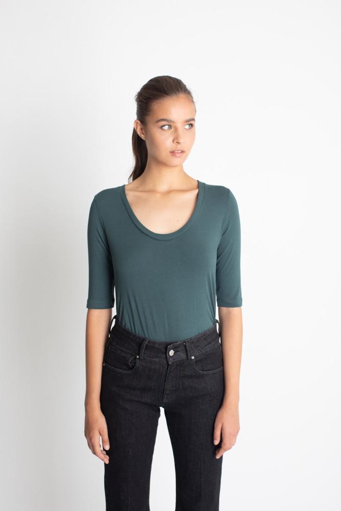 תמונה של חולצת TOVIT ירוקה