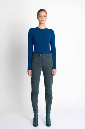 תמונה של חולצת SEAMLESS NICKY כחולה