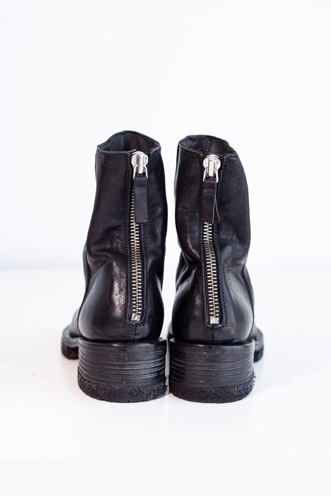 תמונה של נעליים אורית
