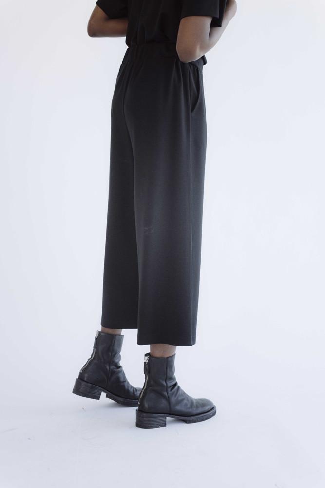 תמונה של מכנסיים ג'קי שחורים
