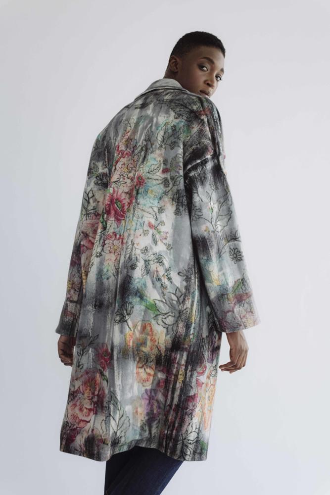 תמונה של מעיל נורית