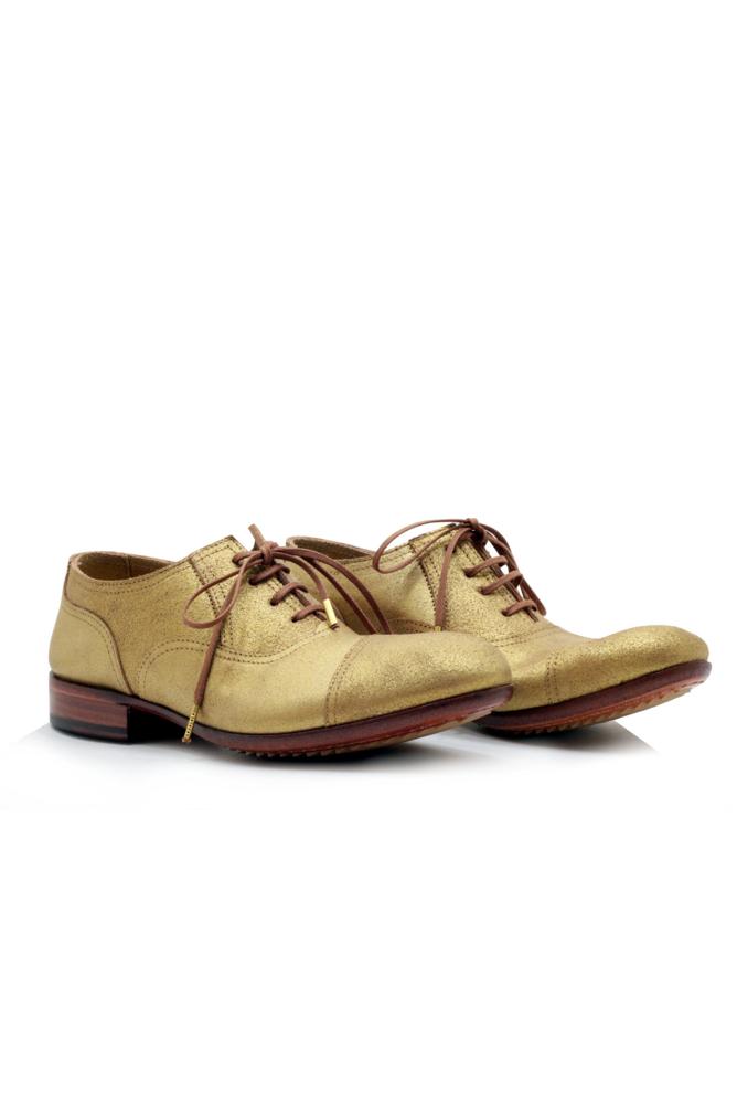תמונה של נעליים אגוז