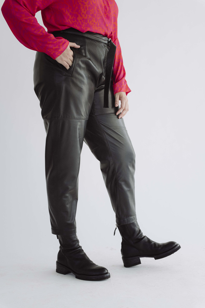 תמונה של מכנסיים אלה