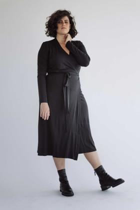 תמונה של שמלה עירית