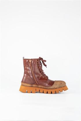 תמונה של נעליים פירלו