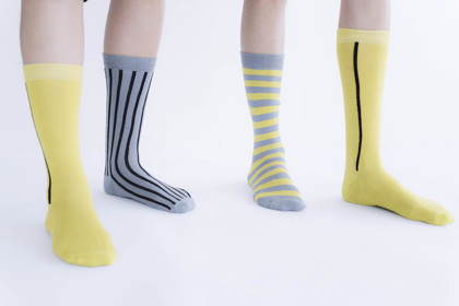 תמונה של שלישיית גרביים צהובים