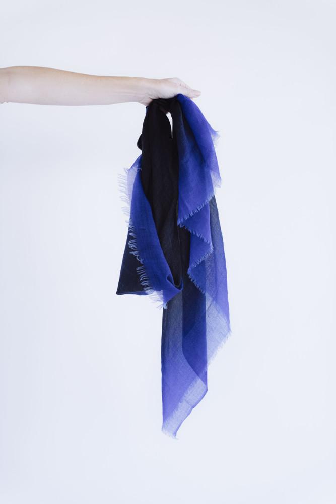 תמונה של צעיף NIC כחול