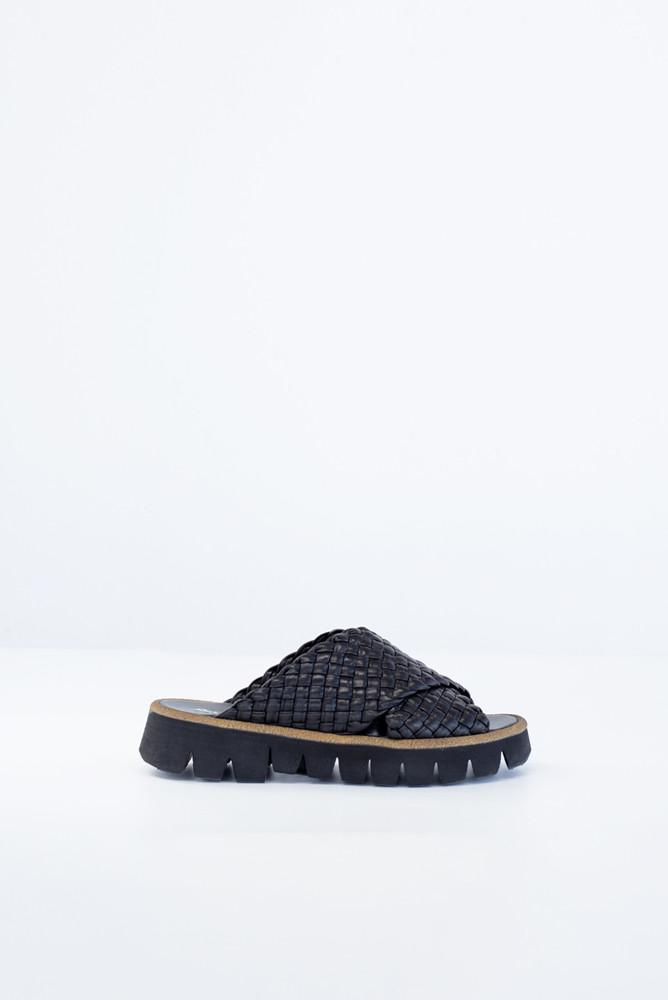 תמונה של נעליים TRENZA
