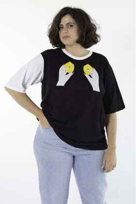 תמונה של חולצת טי אומנית