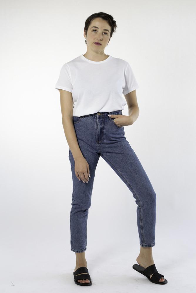 תמונה של ג'ינס רוז