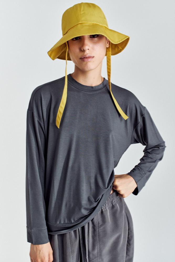 תמונה של חולצה CHILE אפורה